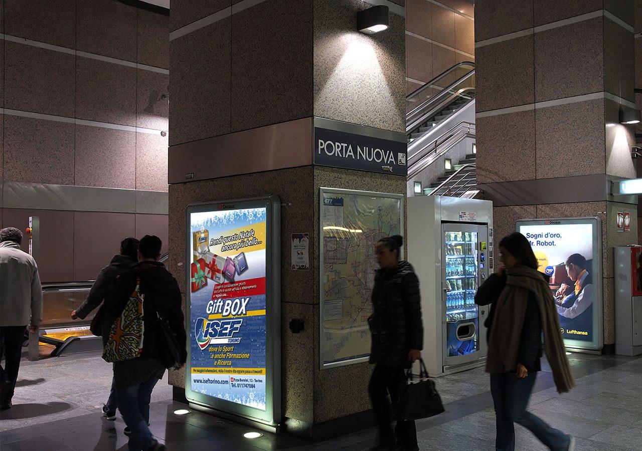 Mupi metropolitana Isef Torino